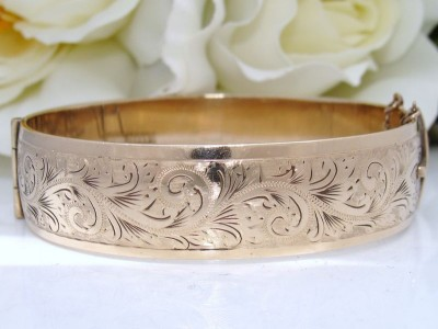 """Antique"" Vintage 9ct Gold MC Engraved ENGLISH Bangle Bracelet Wide Heavy 42g"