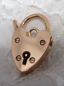 "English Vintage ""Antique Victorian"" 9ct Rose Gold Padlock for Charm Bracelet"