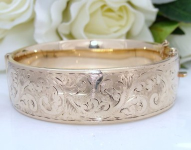 "Over 42 grams""Antique"" Vintage 9ct Gold MC Engraved ENGLISH Bangle Bracelet WIDE & HEAVY"