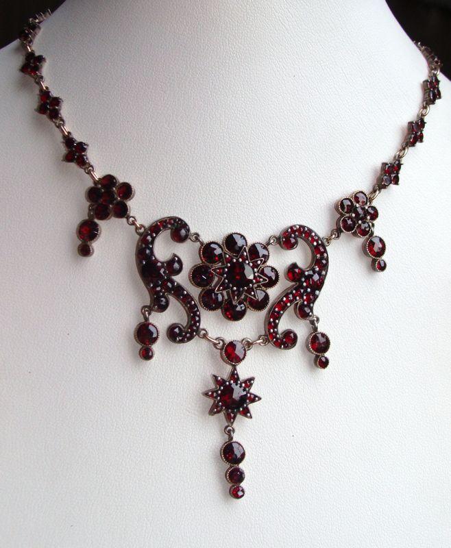 Magnificent Antique Victorian Bohemian Garnet Festoon Necklace