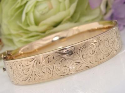 """Antique"" Vintage 9ct Gold MC Engraved ENGLISH Bangle Bracelet  Engraved"
